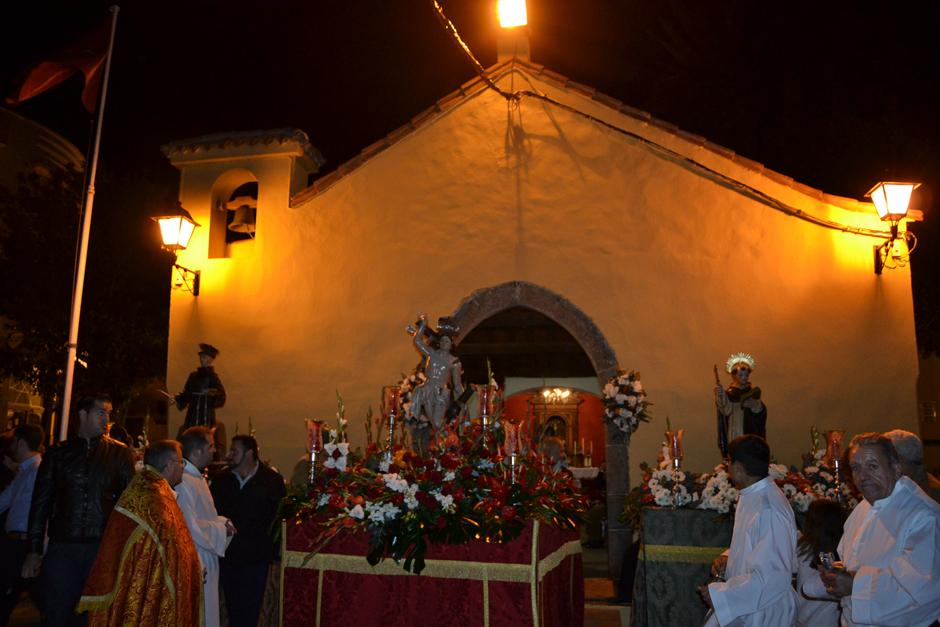 San Sebastián a su llegada a la ermita.
