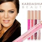 Khloé Kardashian y su línea de cosmética.
