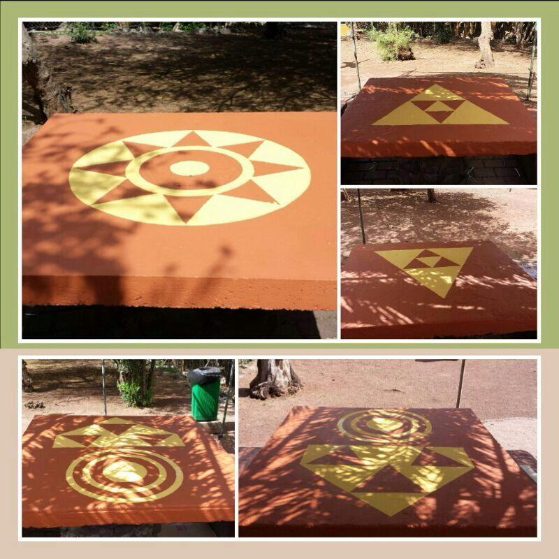 Nuevas pintaderas sobre la superficie de las mesas de las Huertas del Rey.