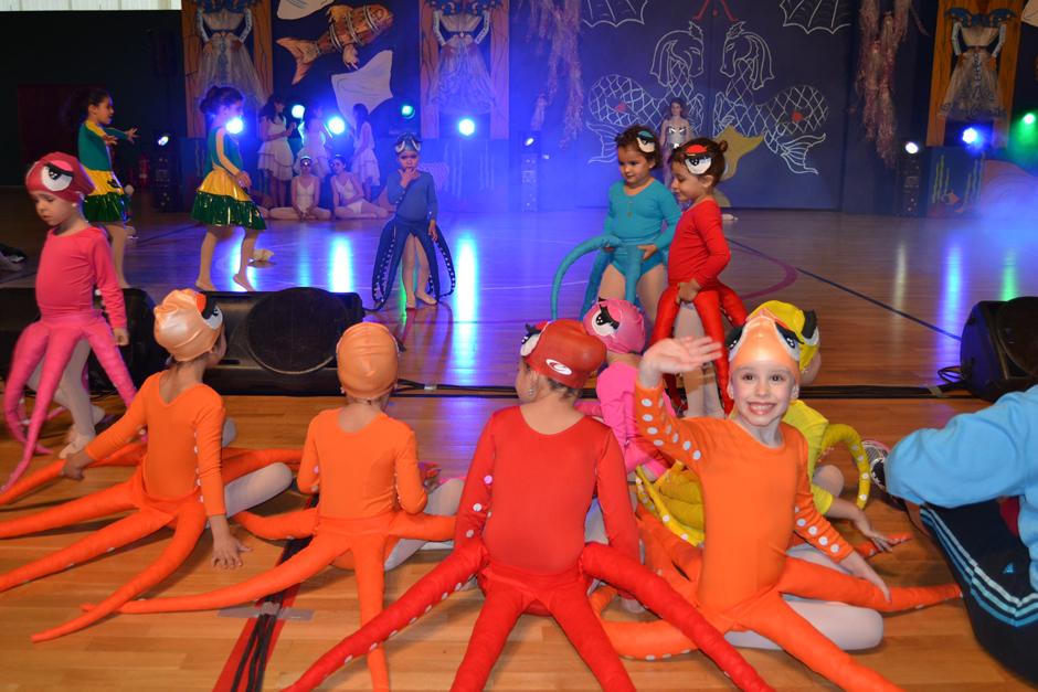 Momento de una actuación durante la Gala infantil del Carnaval de Gáldar 2014.