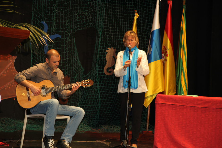 La cantante Mari Nati Saavedra amenizó la velada.