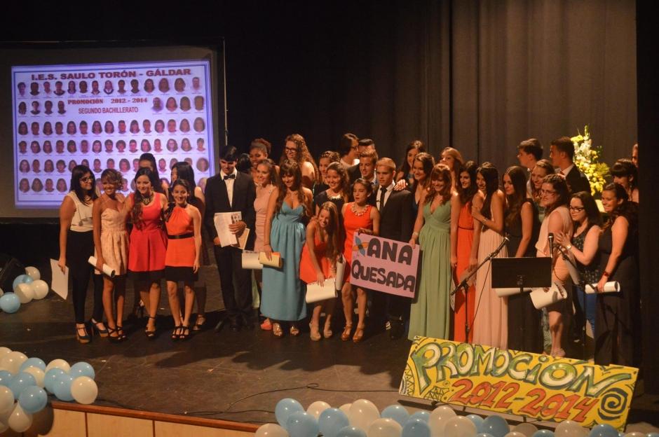 Imagen de la orla de los alumnos de 2º de Bachillerato 2013/2014 del IES Saulo Torón de Gáldar, presentados a la convocatoria del pasado año de la PAU con gran éxito.