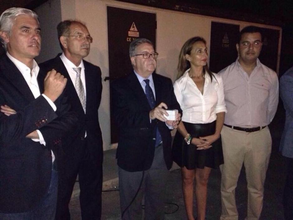 Momento de la inauguración por parte del presidente del Cabildo, Bravo de Laguna.
