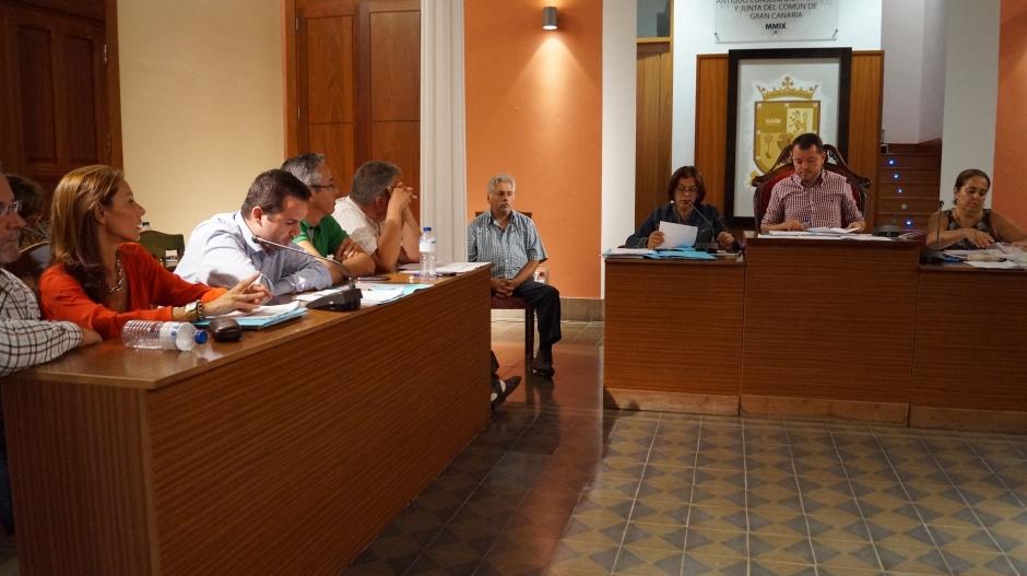 La concejala de Hacienda, Eva Martínez, durante el pleno ordinario de septiembre.