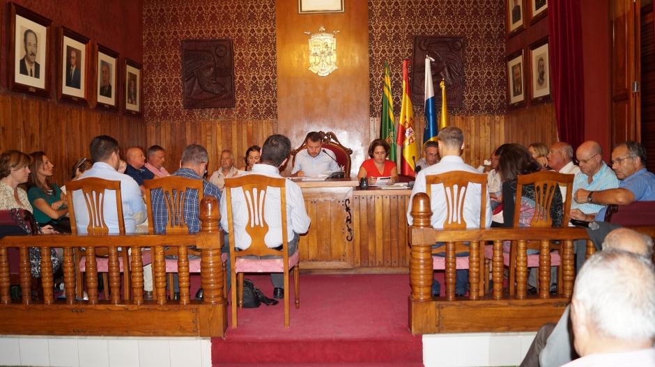Pleno ordinario de octubre de 2014 en el Ayuntamiento de Gáldar.