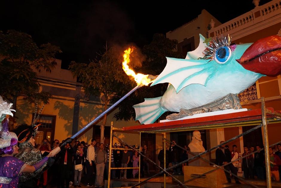 Momento de la quema de la sardina del Carnaval de La Atlántida 2014.