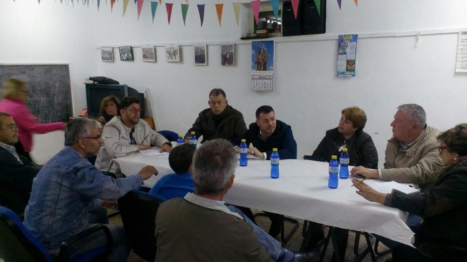 Momento de la reunión en Barranco Hondo.