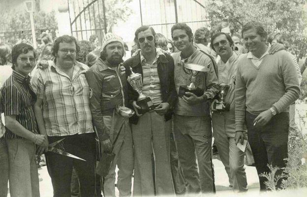 Los fundadores de la Escudería Drago (R. del Pino)