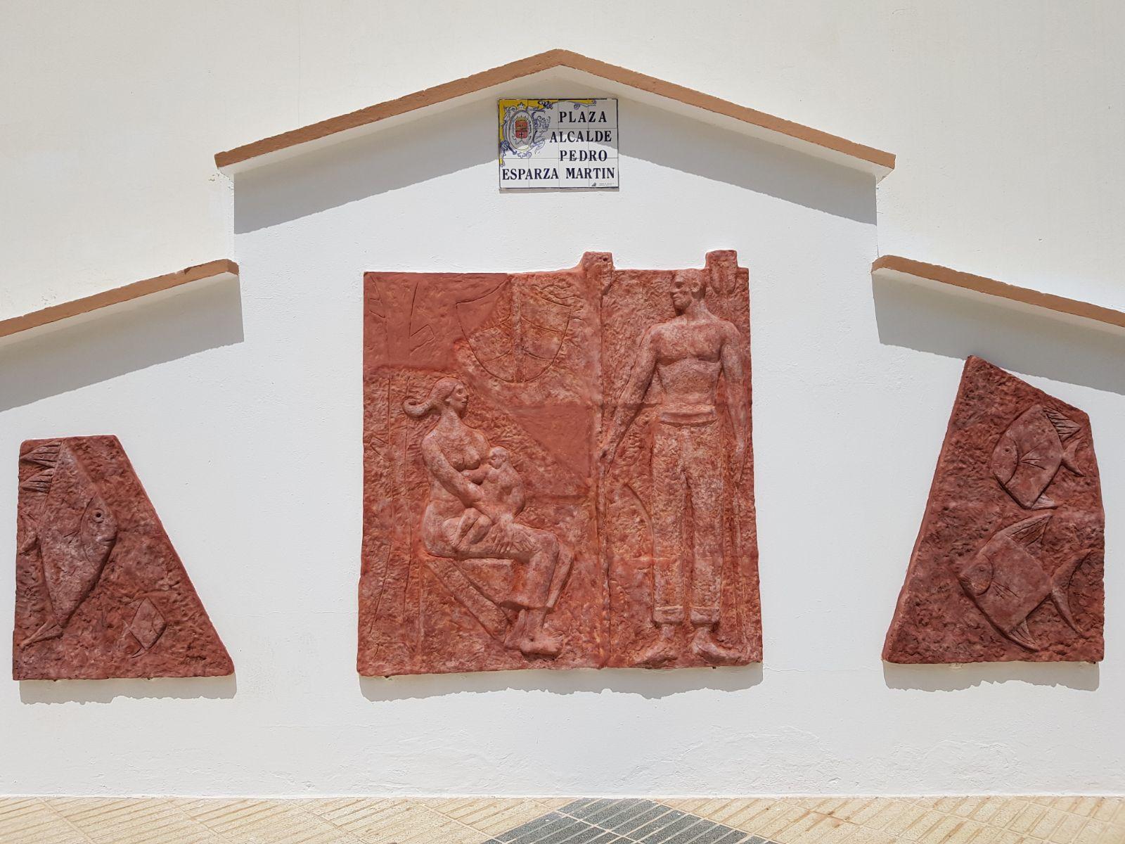 El ayuntamiento de agaete restaura el mural de borges linares for El mural de mosaicos